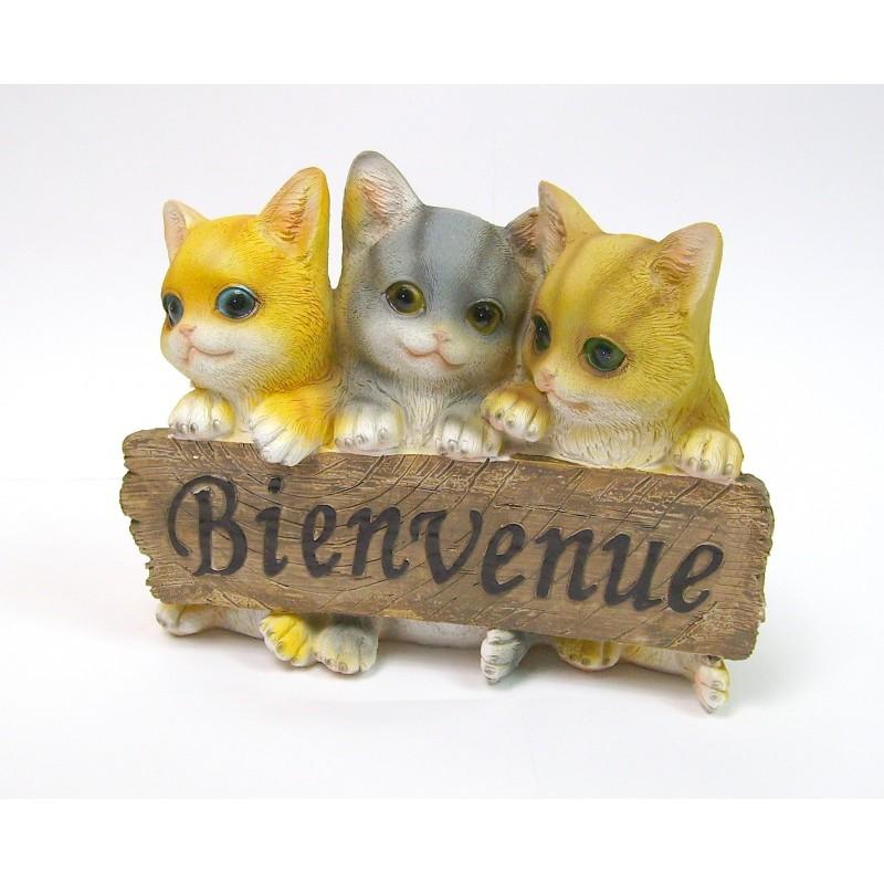 Chats en résine avec panneau Bienvenue