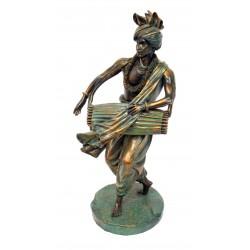 Statuette joueur de tamtam en résine imitation bronze